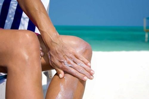 Viêm khớp dạng thấp đều có thể xảy ra ở nữ lẫn nam giới, và cách điều trị thì tường tự nhau.