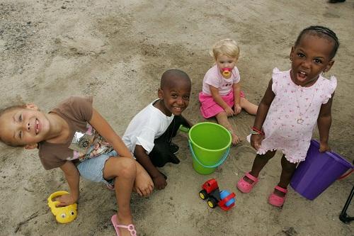 Tình trạng bùng phát bệnh nấm da rất phổ biến trong trường học, các trung tâm chăm sóc trẻ em .