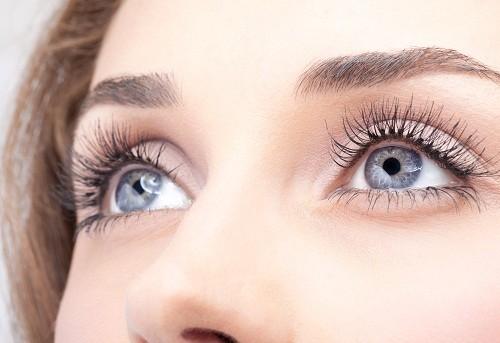 Ảnh hưởng của tuổi tác, ô nhiễm môi trường, thực phẩm nhiễm độc... đã gây ra nhiều bệnh về mắt.