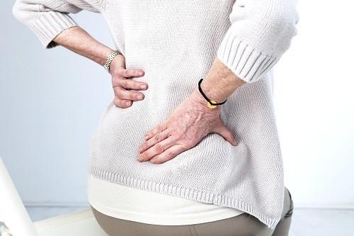 Cách chữa đau nhức xương cụt tùy thuộc vào nguyên nhân và mức độ nghiêm trọng của tình trạng.
