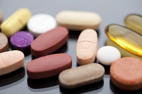 Người bị suy thận mạn có thể phải sử dụng thuốc để điều chỉnh nồng độ hóa chất trong máu.