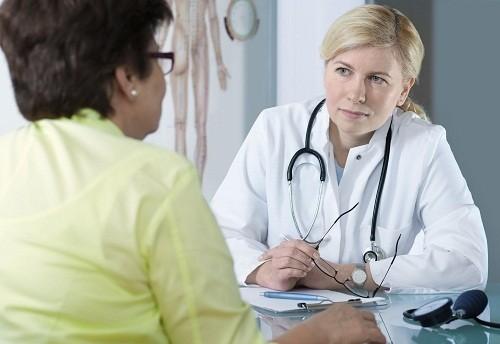 Các bác sĩ sẽ tìm hiểu chi tiết về bệnh sử để xác định lý do tai sao người bệnh bị vàng da.