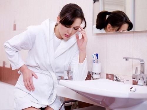 Ốm nghén thường xảy ra vào buổi sáng nhưng tình trạng này cũng có thể xảy ra ở những thời điểm khác trong ngày, ngay cả khi chưa kịp ăn gì.