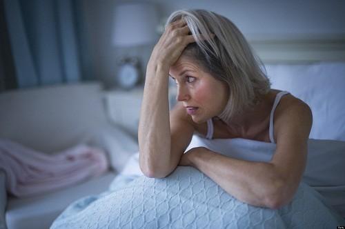 Lo lắng làm trầm trọng thêm tình trạng mất ngủ, không phải là nguyên nhân chính dẫn tới mất ngủ.