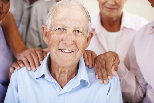 Người mà trong gia đình có tiền sử mắc bệnh Alzheimer thì sẽ có nguy cơ mắc bệnh này cao hơn 4 đến 10 lần so với những người mà gia đình không ai mắc bệnh.