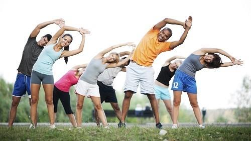 Luyện tập thể dục sẽ giúp cơ bắp khỏe mạnh, thuận lợi cho lưu thông mạch máu, giúp cho dinh dưỡng khớp và sụn khớp tốt hơn.