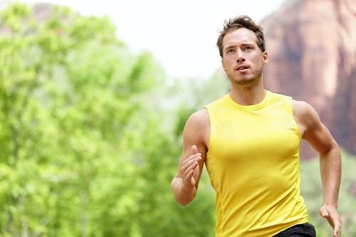 Luyện tập thể dục thường xuyên là cách hiệu quả để làm giảm đau đầu.