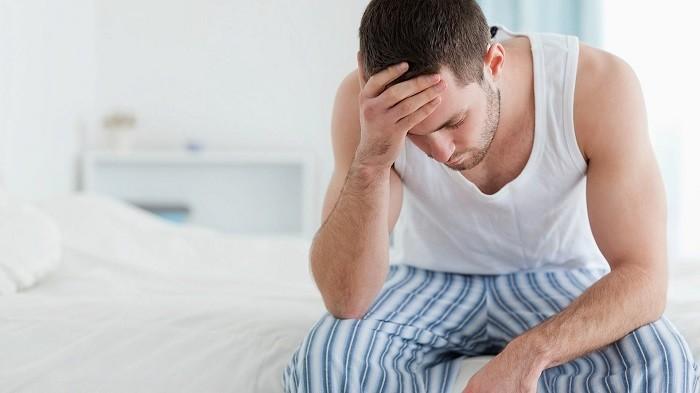 Triệu chứng phổ biến nhất của ung thư tinh hoàn là đau hoặc sưng ở tinh hoàn.