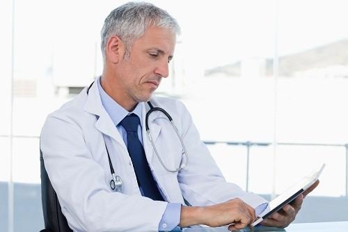 Nếu dịch não tủy mờ đục, người bệnh có khả năng bị nhiễm trùng hoặc có sự tích tụ của các tế bào máu trắng hay protein.