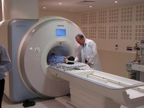 Bác sĩ cũng có thể yêu cầu bệnh nhân chụp cộng hưởng từ (MRI) để kiểm tra xem bệnh lupus ban đỏ đang ảnh hưởng như thế nào đến cơ quan nội tạng.