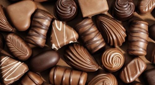 Hàm lượng chất béo cao trong sô cô la có thể đóng vai trò trong việc thúc đẩy các triệu chứng của trào ngược dạ dày - thực quản.