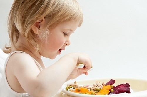 Phản ứng dị ứng với thực phẩm là nguyên nhân thường gặp nhất của mề đay.