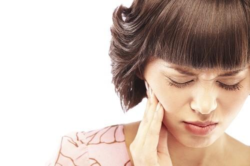 Đau mỏi hàm không chỉ gây khó chịu, ảnh hưởng tới sinh hoạt hàng ngày mà còn có thể là dấu hiệu cảnh báo nhiều bệnh lý nghiêm trọng.