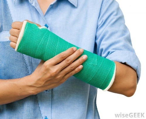 Nẹp được áp dụng với các vết thương mới kết hợp với nghỉ ngơi.