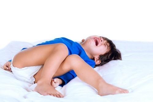 Động kinh có thể là nguyên nhân gây co giật và ngất xỉu.