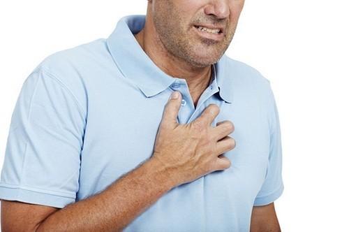 Nhồi máu cơ tim có thể là nguyên nhân gây đau ngực ở nhiều người.
