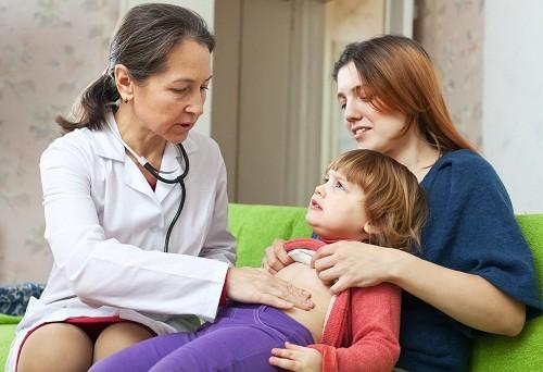 Nhiều trường hợp trẻ bị nôn do đường tiêu hóa bị tắc nghẽn ở một vị trí nào đó.