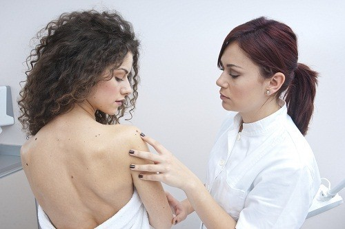 Các vết bớt hoặc nốt ruồi trên cơ thể phụ nữ mang thai sẽ trở nên tối hơn trong quá trình mang thai.