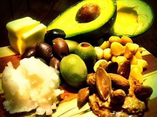Bệnh nhân tiểu đường không nên cắt bỏ hết tất cả các loại chất béo.