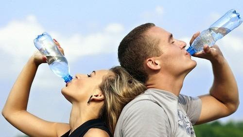 Tính trung bình, bạn nên nghỉ ngơi bù nước khoảng 20 phút trong khi tập thể dục.