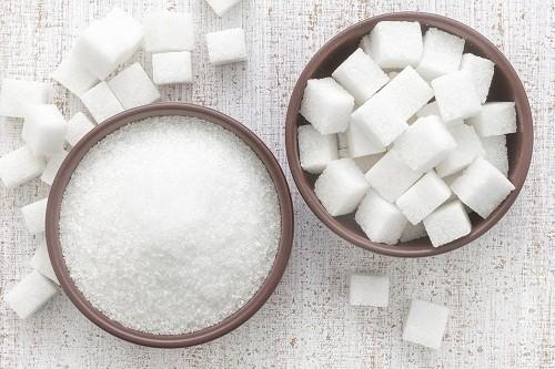 Theo lời khuyên của các bác sĩ, người bị viêm đường tiết niệu nên tránh tiêu thụ đường.