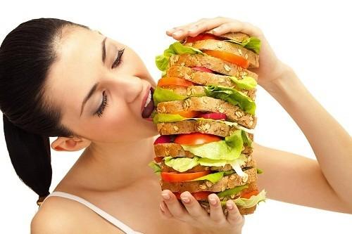 Nếu không hoạt động nhiều, vẫn ăn uống như bình thường nhưng lại luôn cảm thấy đói thì rất có thể đây là một biểu hiện bệnh tiểu đường.