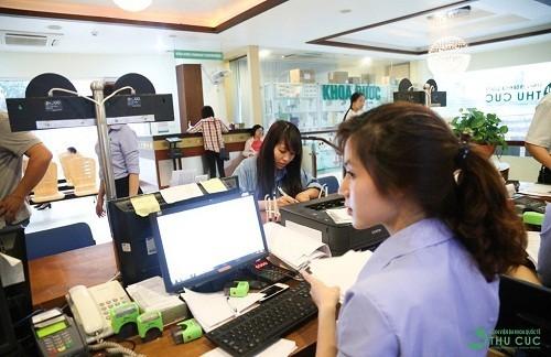 Đội ngũ nhân viên y tế nhiệt tình, chu đáo của bệnh viện sẽ giải đáp mọi thắc mắc của khách hàng nhanh chóng.