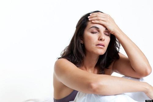 Một triệu chứng hay gặp ở người bị đột quỵ là đau đầu nặng, đột ngột.