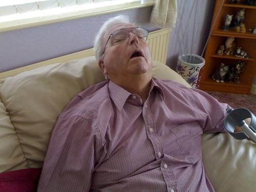 Hội chứng ngưng thở khi ngủ là rối loạn đặc trưng bởi sự ngừng thở từng lúc về đêm trong khi ngủ.