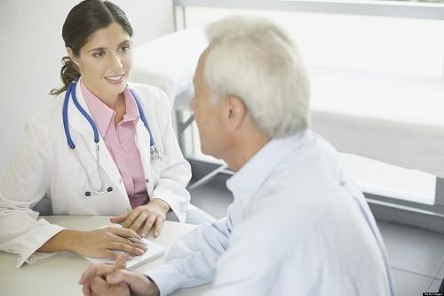 Bệnh tiểu đường loại 2 phổ biến hơn tiểu đường loại 1, thường gặp ở những người từ 40 tuổi trở lên nhưng đôi khi cũng có thể gặp ở những người trẻ tuổi.