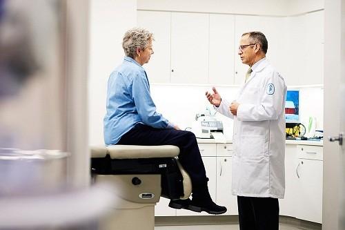 Một nguyên nhân khác dẫn tới tình trạng rò hậu môn là ung thư hậu môn - trực tràng.