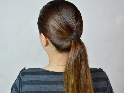 Những người có thói quen buộc tóc đuôi ngựa trong thời gian quá lâu có thể cảm thấy đau ở tóc.