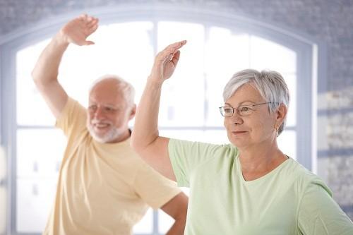 Trong thời gian tập thể dục, cơ thể tiết ra một loại hormone giúp con người cảm thấy hưng phấn, vui vẻ, giảm bớt căng thẳng thường xuất hiện kèm cơn đau.