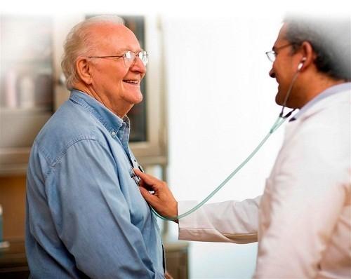Chẩn đoán rung nhĩ dựa trên tiền sử bệnh của cá nhân người bệnh và gia đình, khám lâm sàng, kết quả của các xét nghiệm.