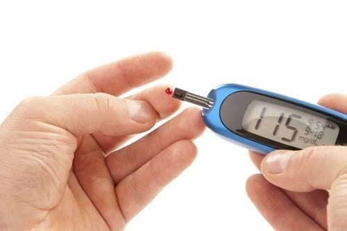 Tùy theo kế hoạch điều trị, người bệnh có thể kiểm tra và ghi lại lượng đường trong máu nhiều lần trong ngày.