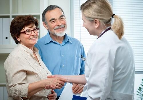 Việc thường xuyên kiểm tra sức khỏe định kỳ là rất quan trọng, giúp phát hiện sớm và điều trị kịp thời bệnh đột quỵ.