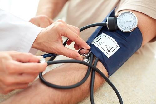 Cao huyết áp cũng là một trong những yếu tố nguy cơ chính của bệnh tim mạch.