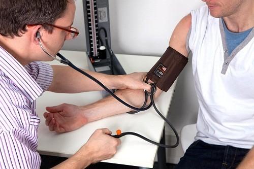 Huyết áp thấp có nguy hiểm không là thắc mắc chung của nhiều người.