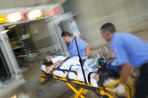 Bệnh nhân rơi vào tình trạng hạ huyết áp cấp thì rất nguy hiểm,  cần phải được nhập viện cấp cứu ngay.