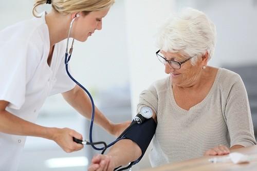 Nguy cơ bị cao huyết áp tăng dần theo độ tuổi.