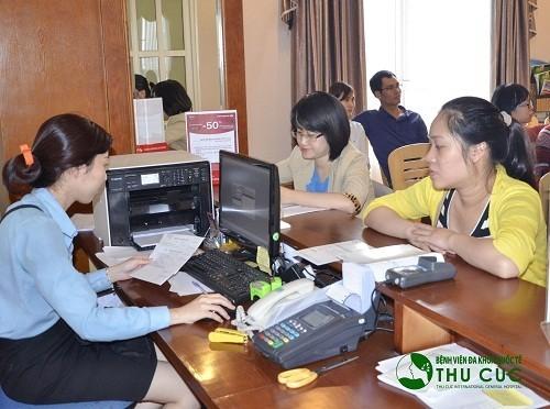 Đội ngũ nhân viên y tế sẽ hõ trợ tối đa mọi nhu cầu của khách hàng khi đặt lịch khám tim mạch tại Bệnh viện Thu Cúc.