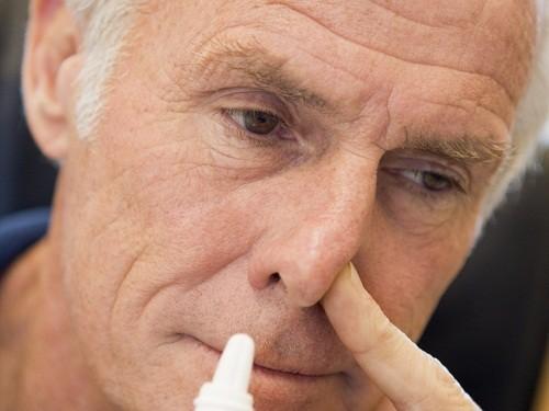 Thuốc thường thường là lựa chọn điều trị đầu tiên cho polyp mũi.