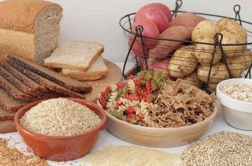 Số lượng chất bột, đường (carbohydrate) trong các bữa chính và bữa phụ tùy thuộc vào nhu cầu năng lượng và mức độ vận động của bạn, nó cũng tùy thuộc vào loại thuốc điều trị.