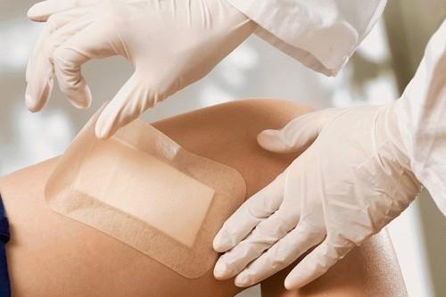 Tiểu đường làm tăng nguy cơ nhiễm trùng và làm chậm lành vết thương, vì thế cần phải xử lý các vết thương nhanh chóng.