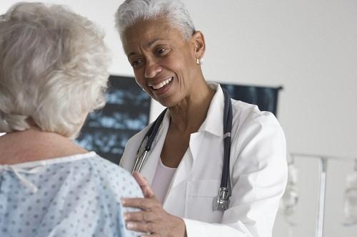Nội soi tiêu hóa và chụp X quang cản quang ống tiêu hóa trên với Barium cũng được sử dụng trong chẩn đoán viêm dạ dày.