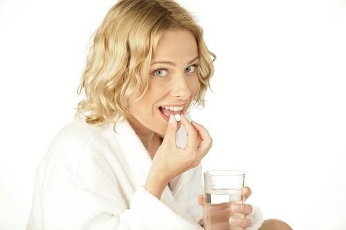 Một số loại thuốc điều trị ung thư, cholesterol cao, HIV có thể ảnh hưởng tới gan.