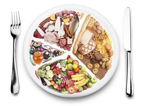 Người bệnh phổi tắc nghẽn mạn tính cần duy trì trọng lượng cơ thể ở mức hợp lý bằng chế độ ăn uống lành mạnh.