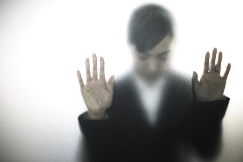 Trầm cảm không chỉ xuất hiện khi có một sự kiện, biến cố nghiêm trọng xảy ra mà còn xuất hiện ngay cả khi cuộc sống vẫn bình thường, tốt đẹp.