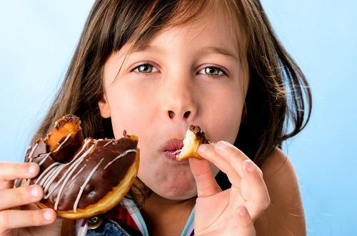 Hầu hết các nghiên cứu đều cho thấy đường không phải là nguyên nhân làm cho trẻ hiếu động.