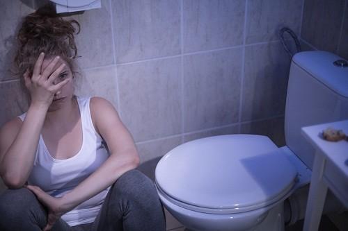 Chứng ăn vô độ thường đi kèm với những rắc rối về tâm trạng.